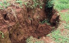 Sẽ khắc phục sự cố sụt lở đất gần hồ bùn đỏ Nhân Cơ trong mùa khô