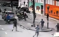 Công an Tân Phú chặn bắt nhóm trộm xe hung hãn trên đường