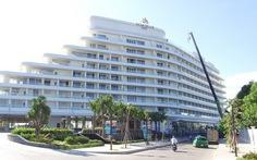 Dỡ tầng trên cùng khách sạn 5 sao sai phép tại Phú Quốc
