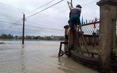 Lũ chia cắt nhiều nơi ở Quảng Nam
