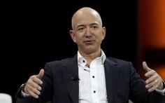Tài sản Jeff Bezos vượt 100 tỉ USD nhờ Black Friday