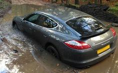 Kỹ năng thoát hiểm khi xe bị sa lầy