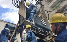 Sao lại tăng giá điện vào cuối năm?