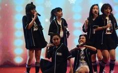 P336 lần đầu có mini show, hát cùng nhóm nhạc thần tượng Tempura Kidz