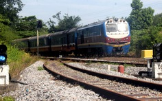 Vụ hệ thống ngàn tỉ, tàu lửa suýt tông nhau: Do người vận hành?