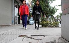 Lát vỉa hè Hà Nội: Quận, huyện hiểu sai, sở ngành thiếu trách nhiệm