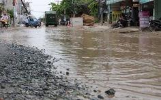Khốn khổ vì đường ngập nước
