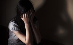 Bắt khẩn cấp nghi can xâm hại 2 bé gái 13 tuổi