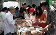 Alpha Books lấy làm tiếc vì sự cố 'lẩu sách'