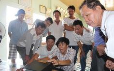 Thành đoàn TP.HCM tặng máy định vị cho ngư dân Quảng Nam