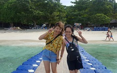 Bay đến Phuket nhảy múa ở 'vũ trường nổi' giữa biển