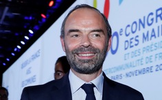 Thủ tướng Pháp bị tố công du hoang phí