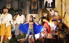 Nhóm nữ ngực trần gây náo loạn đêm Giáng sinh ở Vatican