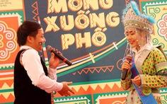 Lưu giữ văn hóa Mông qua Facebook