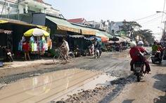 "Nhiều ""ổ voi"" lớn chiếm hết mặt đường"