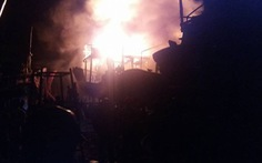 Bốn tàu cá cháy dữ dội trong đêm cuối năm 2017
