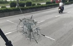 Điều tra vụ thanh niên dùng súng cao su bắn vỡ kính xe khách