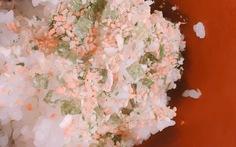 Sake furikake: món 'muối mè ngon hết xẩy' của Nhật