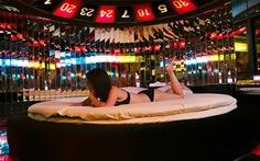 Đến Nhật thuê khách sạn tình yêu
