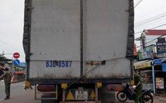 Học sinh lớp 9 bị xe tải cán chết khi đang đi học
