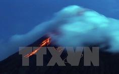 Núi lửa Mayon phun trào dữ dội