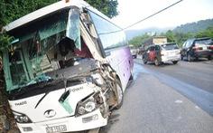 Ba ôtô va chạm trên đèo Bảo Lộc, nhiều người bị thương