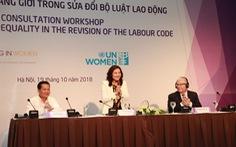 Lao động nữ mang thai được chuyển công việc nhẹ hơn
