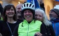 Jenny Graham lập kỉ lục đạp xe vòng quanh thế giới trong 125 ngày