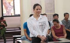 Lãnh 12 năm tù vì lừa 'chạy' vào ngành công an
