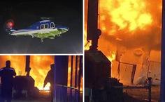 Trực thăng của ông chủ CLB Leicester City bốc cháy