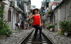 Đường sắt chạy qua phố cổ Hà Nội lên báo Pháp