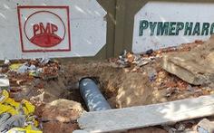 Lo ô nhiễm, dân cản không cho công ty dược đấu nối ống thoát nước