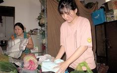 Đèn đom đóm: Mẹ tảo tần cho con niềm vui đến trường