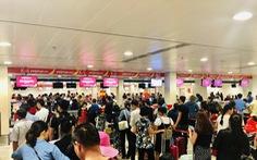 Lại một vụ hành khách tấn công nhân viên, tổ bay hàng không