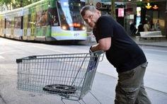 Dân Melbourne quyên tặng người đàn ông vô gia cư dũng cảm 36.000 USD