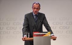 Doanh nhân Đức công khai thu nhập để tranh ghế Thủ tướng
