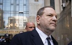 Ông trùm Harvey Weinstein bị tố 'dụ sex' thiếu nữ 16 tuổi