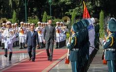 Đón trọng thể Thủ tướng Pháp tại Phủ Chủ tịch