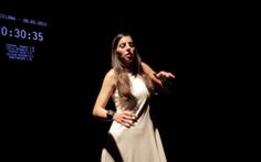 Cô vũ công có khả năng cảm nhận mọi trận động đất trên thế giới