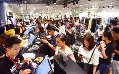 Người Sài Gòn xếp hàng mua đồ trong ngày Black Friday