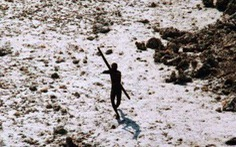 Bộ lạc bắn 'mưa tên' vào du khách 'vì muốn được yên thân'