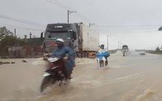 Miền trung mưa to, Nam Bộ ngập lụt