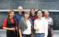Phó giáo sư trẻ mê nghiên cứu toán học