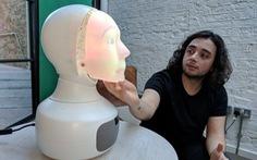 Robot chuyên tâm sự với con người