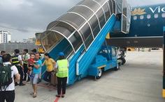 Hàng chục chuyến bay bị hủy hoặc điều chỉnh lịch do ảnh hưởng bão số 3