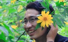 Hoa dã quỳ Ba Vì nở rộ hút giới trẻ Hà thành chụp ảnh 'check in'
