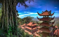 Bí ẩn ngọn núi thiêng Tà Cú