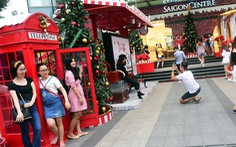 Sài Gòn rộn rã chuẩn bị đón Noel và Tết Dương lịch