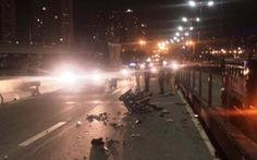 Chết thảm vì đi xe máy vào làn ôtô trên cầu Sài Gòn