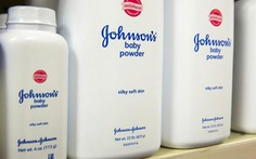 Reuters: Johnson & Johnson biết phấn rôm của họ chứa chất gây ung thư từ lâu